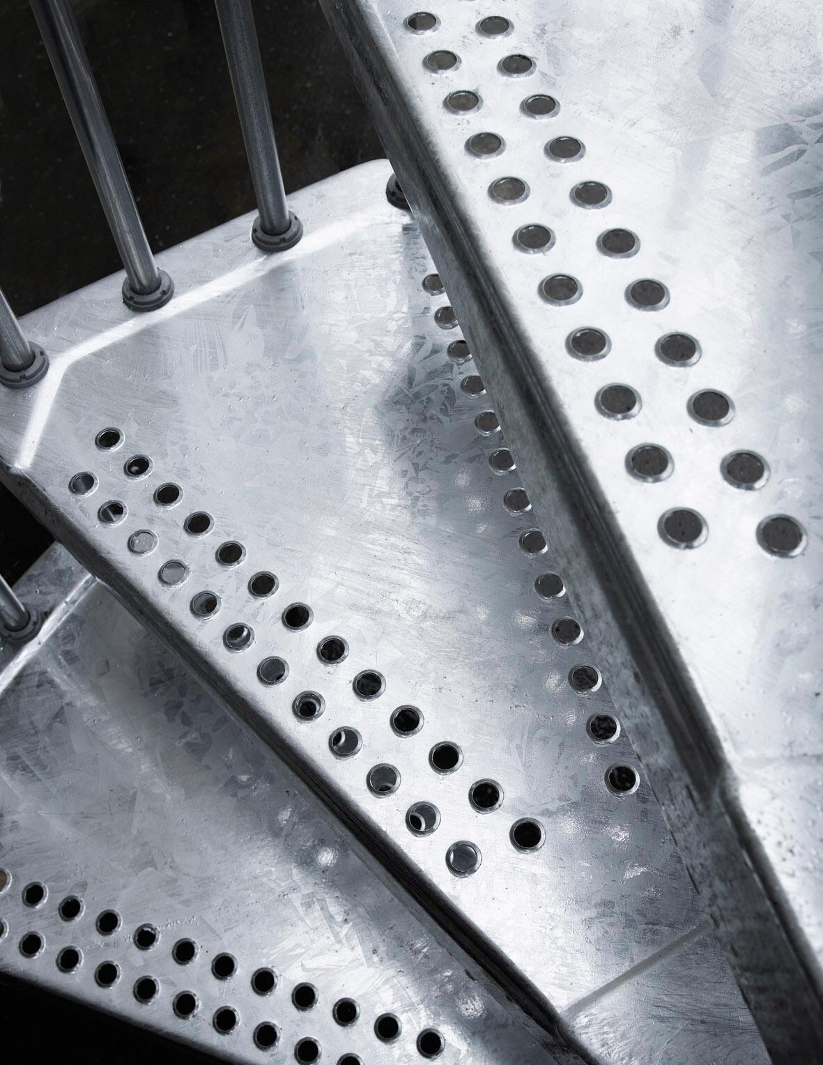Scala a chiocciola tonda Steel Zink FONTANOT L 120 cm, gradino grigio zincato, struttura grigio zincato - 7