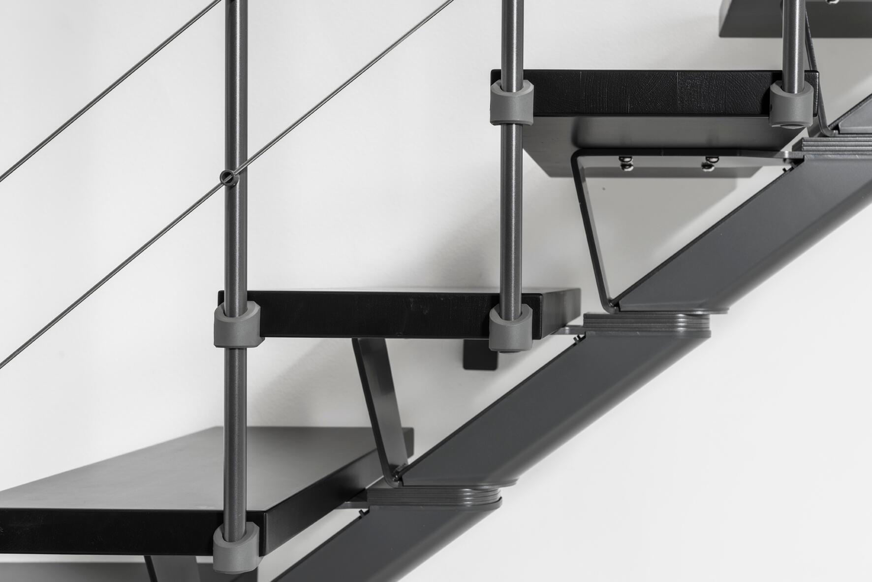 Scala a rampa 1/4 di giro Mas FONTANOT L 85 cm, gradino grigio antracite scuro, struttura antracite - 12