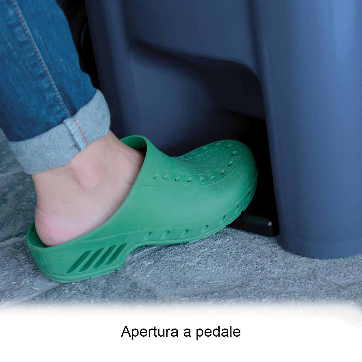 Bidone in plastica STEFANPLAST carrellato 120 L, 2 ruote - 3