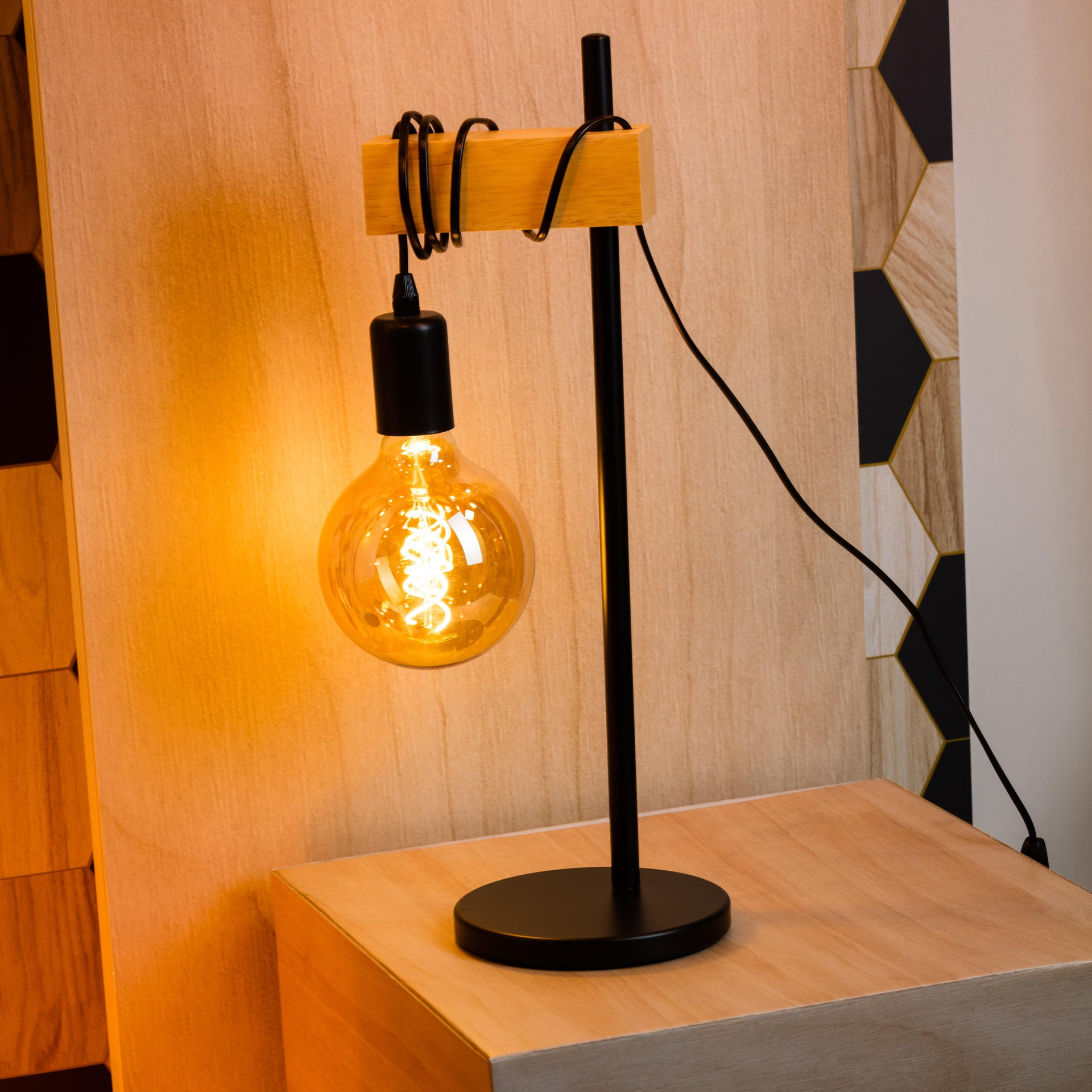 Lampada da tavolo Scandinavo Townshend nero , in metallo, EGLO - 2