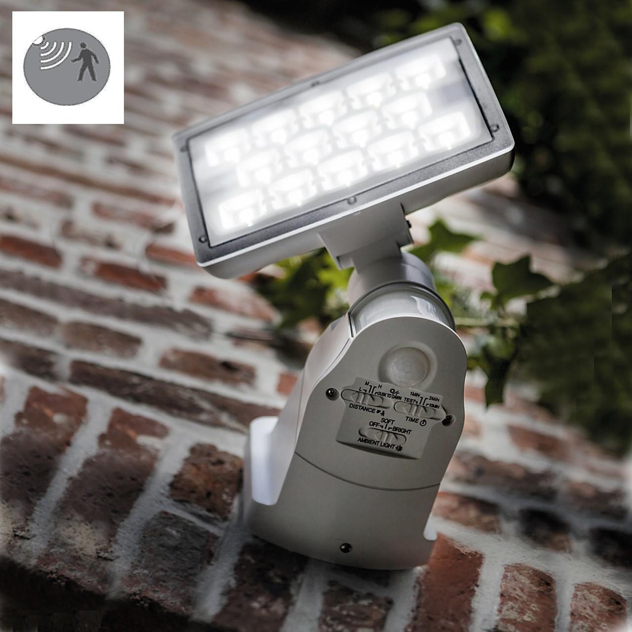 Applique Peri LED integrato con sensore di movimento, in policarbonato, grigio, 20W 1710LM IP54 LUTEC - 1