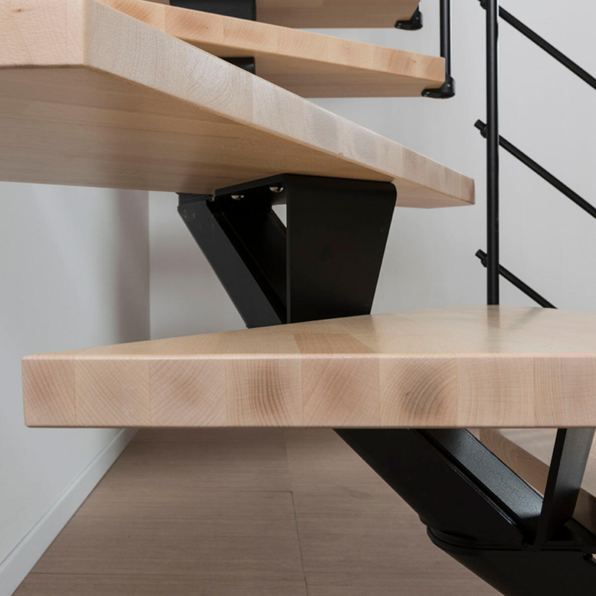 Scala a rampa 1/4 di giro Mas 050 PVC FONTANOT L 75 cm, gradino naturale, struttura nero - 9