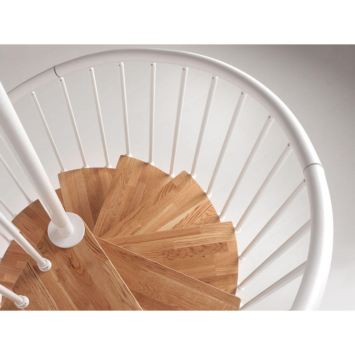 Scala a chiocciola tonda OAK70 FONTANOT L 130 cm, gradino naturale, struttura bianco - 7