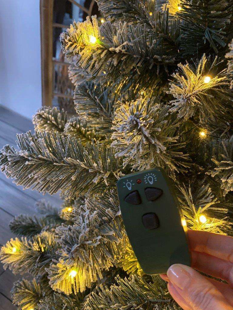 Albero di natale artificiale Oxford verde scuro brinato H 180 cm, 250 lampadine incorporate - 3